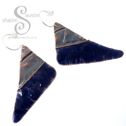 Enamelled Fold-Form Copper Triangle Earrings – Blue