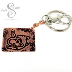 Embossed Copper Keyring PIRATE SKULL (01)